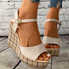 Frauen PU Keil Absatz Sandalen Plateauschuh Keile Peep Toe mit Schnalle Spleißfarbe Schuhe