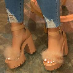 Frauen Kunstleder Stämmiger Absatz Sandalen Absatzschuhe Peep Toe Heels mit Feder Schuhe