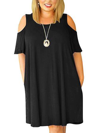 Große Größen Einfarbig Kurze Ärmel Etuikleider Über dem Knie Lässige Kleidung Kleine Schwarze Kleid